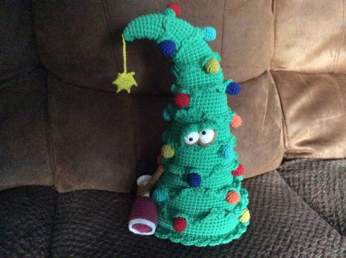Christmas Tree Crochet Pattern Review for Cottontail and Whiskers by Gillian McAughey