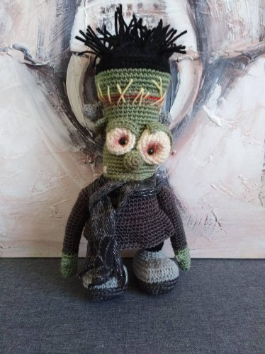 Crochet Frankensteins Monster Pattern Amigurumi Review for Cottontail and Whiskers by Beverley Welch