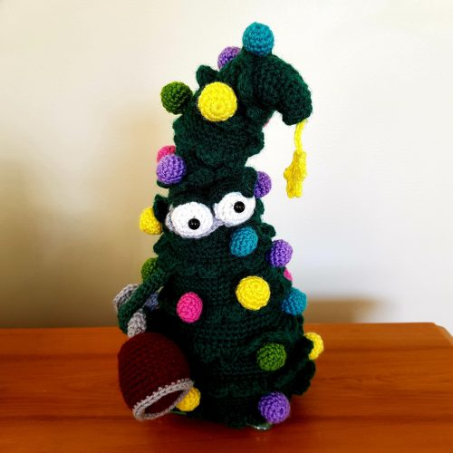 Cottontail Whiskers Crochet christmas tree pattern crafters review by Hilary Robertson