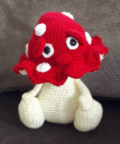 Stanley shroom crochet pattern review for cottontail and whiskers by julie ridge